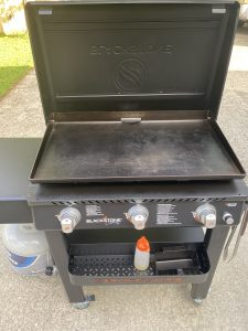 3-burner blackstone griddle with cover open
